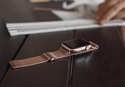 UNIQ řemínek pro Apple Watch