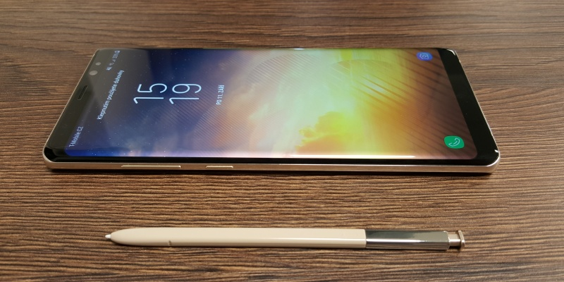 https://i.alza.cz/Foto/ImgGalery/Image/article/galaxy-note8/samsung-galaxy-note8-recenze.jpg