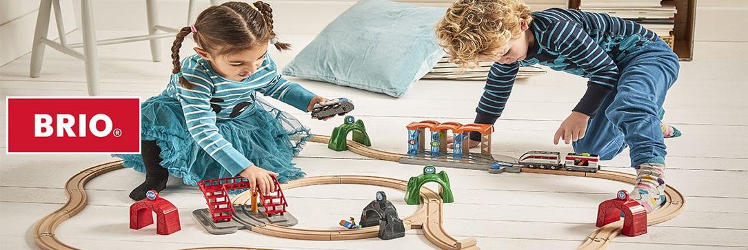 Vláčky Brio, vláčkodráha a další hračky