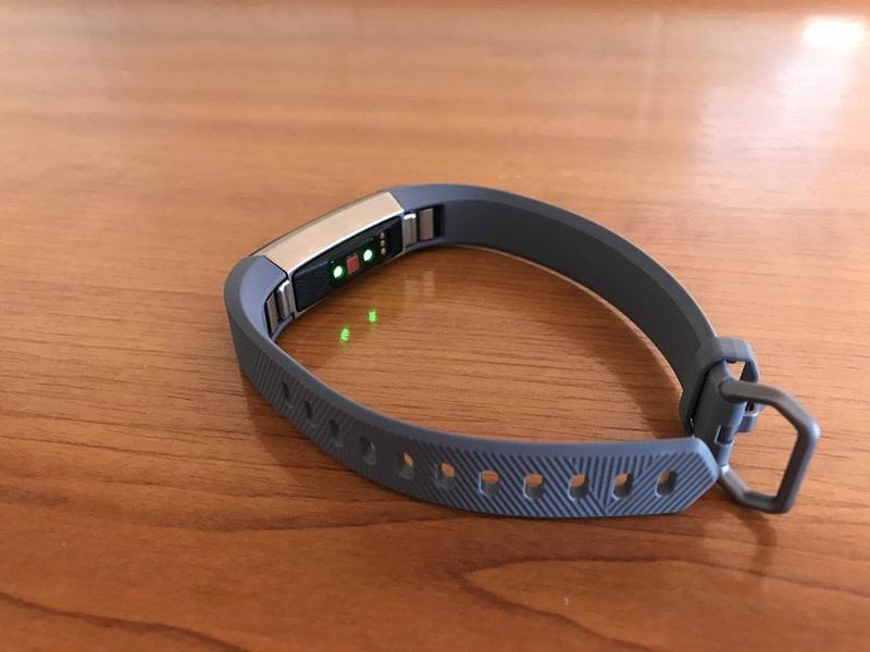 Fitbit Alta HR, senzor srdečního tepu