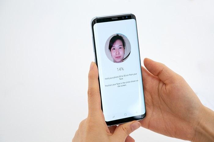 Samsung Galaxy S8 - rozpoznání obličeje