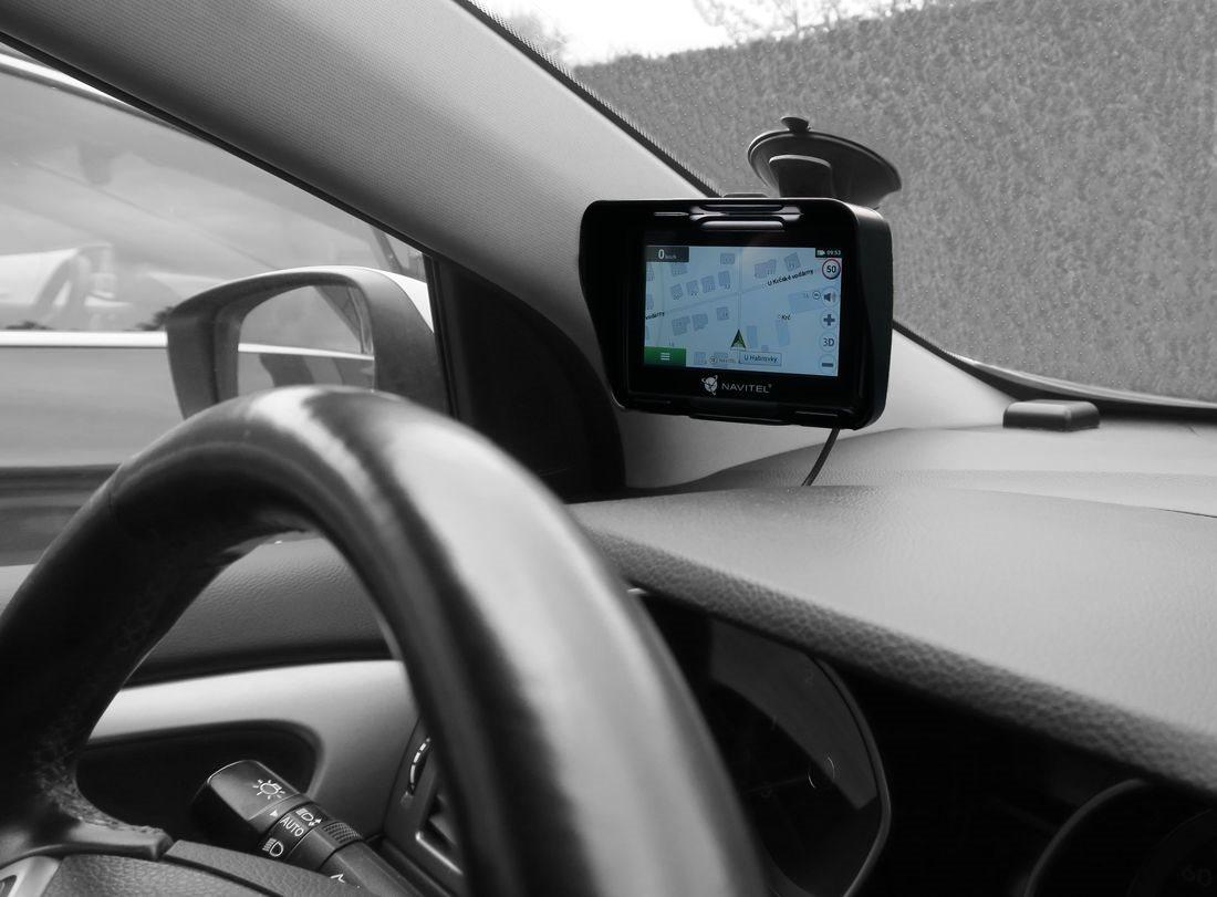 GPS navigace NAVITEL G550 - 2 v 1