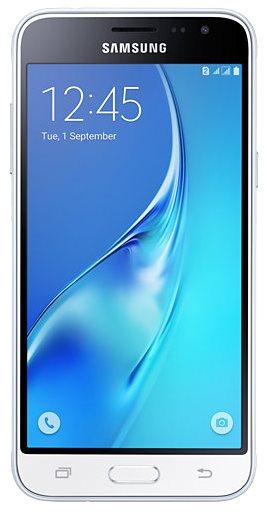 Přední strana Samsung Galaxy J3 Duos (2016)