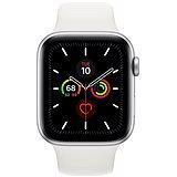 Apple Watch Series 5 44 mm Strieborný hliník s bielym športovým remienkom