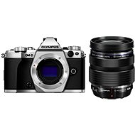 Olympus E-M5 Mark II BODY + 12-40 mm objektív egy ezüst / fekete - Digitális fényképezőgép