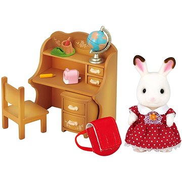 Sylvanian Families Nábytek chocolate králíků – sestra u psacího stolu se židlí (5054131050163)