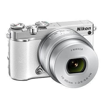 Nikon 1 J5 bílý + objektiv 10-30mm (VVA242K001) + ZDARMA Brašna na fotoaparát Lowepro Format 110 černý